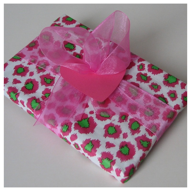 Pink leopard gift pack
